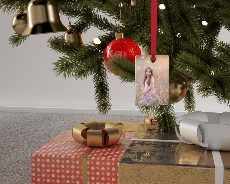 Artsy Couture Metal Ornament, Photo: Jessica Vallia